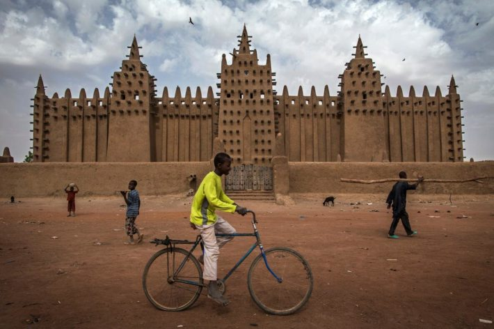 Good bikes past the Djenné Mosque
